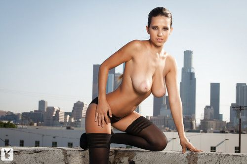 Leggy cutie with vast love muffins Carlye Denise purchases rid of her underclothes outdoor
