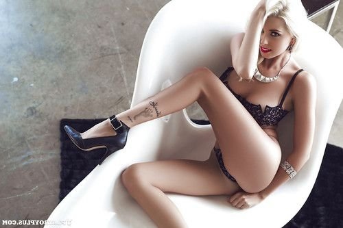 Hotty Alissa Arden way in her amazing-looking untamed pants so untamed
