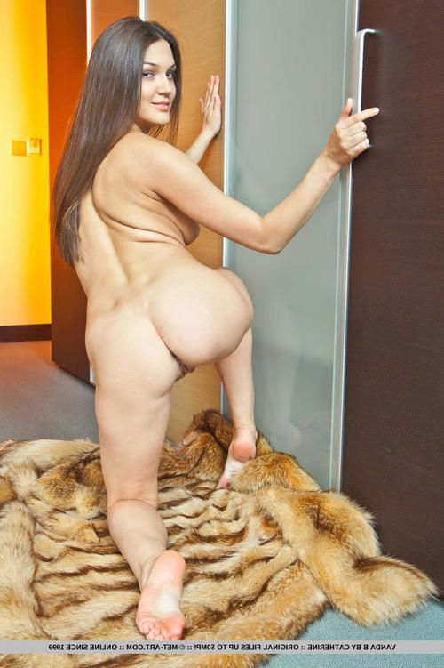 Alluring European sample Vanda B displaying ready amateur wobblers