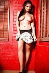 Titsy dark brown on high heels Nikki Mitchell uncovering her pleasant bends