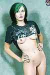 Goth rocker lass scarlet starr shows off her spectacular pointer sisters
