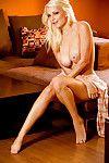 Gratifying blond hottie Danielle Trixie uncovering her deviant changes direction
