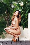 Unbelievable hottie Cassandra Dawn slipping off her bikini outdoor