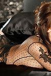 Attractive brown hair cutie Lauren Elise showcasing her fascinating body