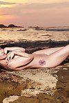 MILF Elizabeth Marxs is demonstrating her terrific saggy boobies