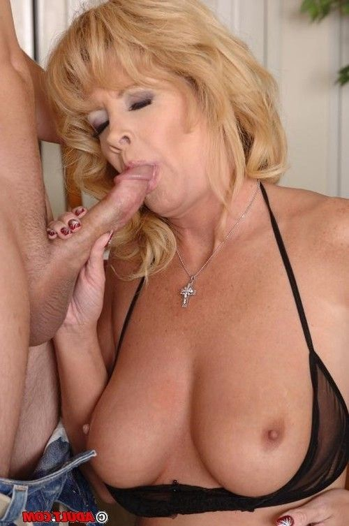 Slutty blonde cougar enjoys hard fucking and gets jizzed over her big tits