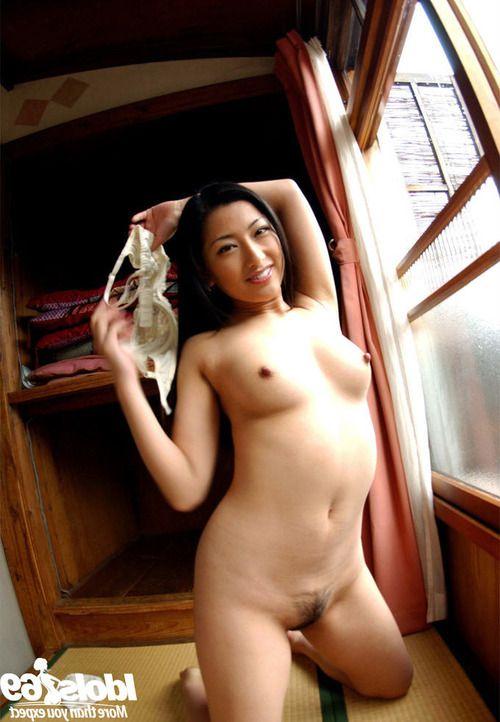 Graceful asian babe Ran Asakawa slipping off her lingerie
