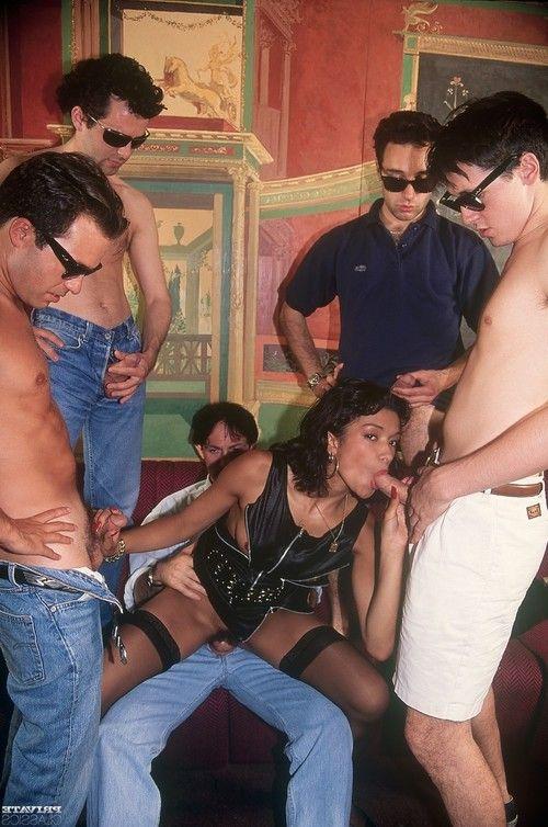 Private gangbanging for pornstar tabatha cash in vintage porn pi