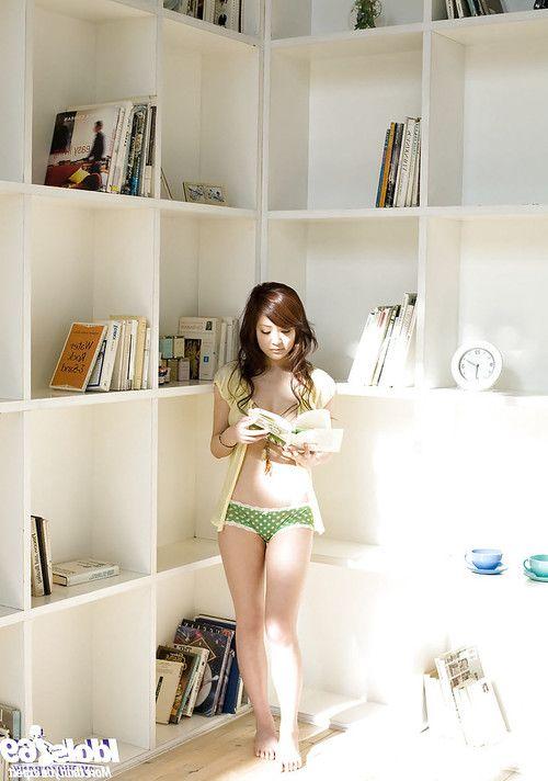 Amazingly lovely asian babe Suzuka Ishikawa uncovering her ravishing curves