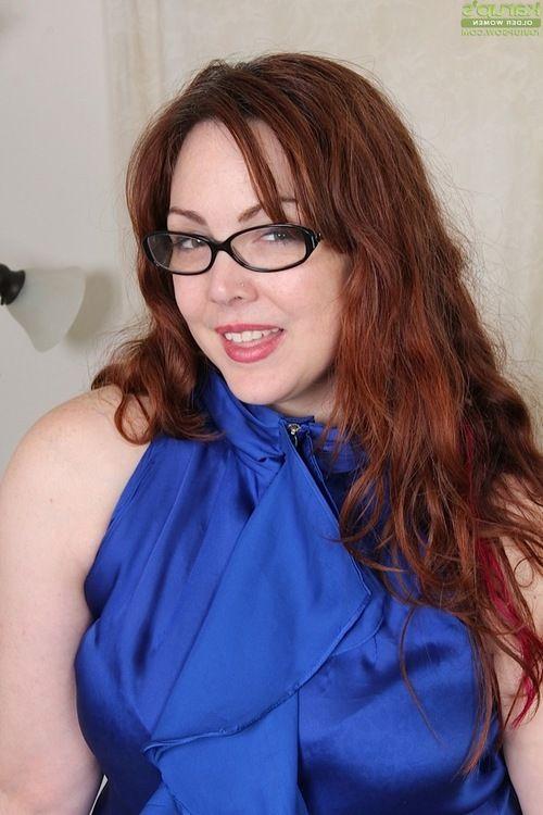 Aged obese lady Ember Rayne shedding lingerie before masturbate hairy pussy