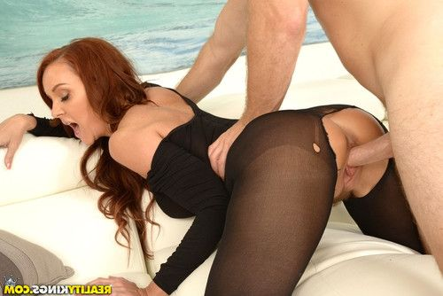 Big ass sexy MILF Janet Mason wearing pantyhose & heels getting cum on pussy