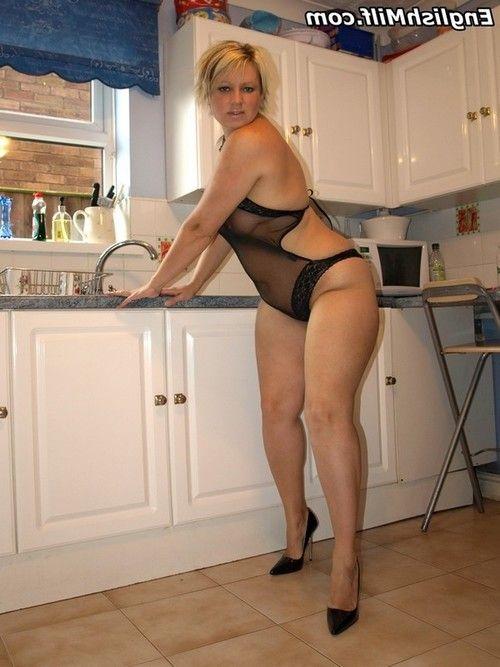 Hot chubby mature mom Daniella English sucking balls for big cumshot