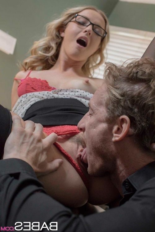 Office blonde gets dicked in nylons