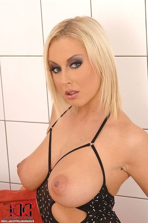 Eve Hottie Mandy Dee Have Some Sweaty Tough Woman-on-woman Love making act