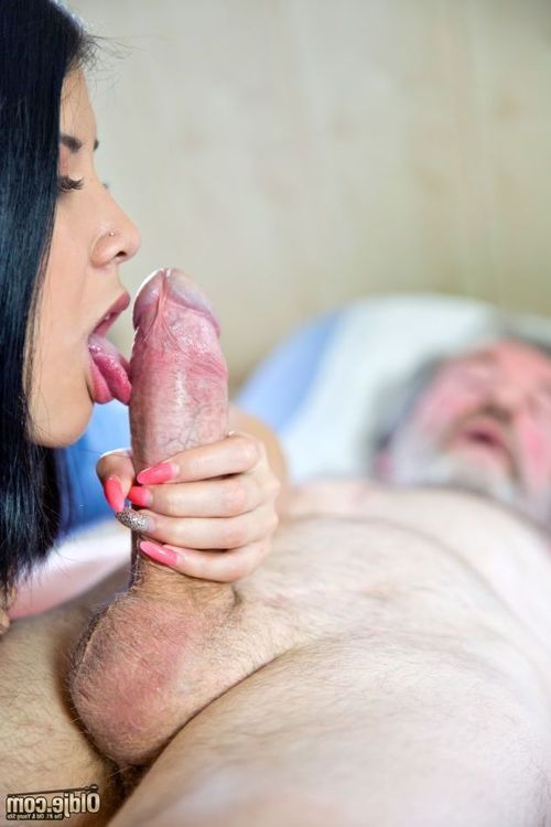 Purely a infant sticky nurse get joy Lady Dee can cure our Oldje from his deathbed. Going for the rare sexual act treatment, that babe reaches lower than the sheets and takes the old snake in her hands for a fastidious examination. As the wrinkled prick a