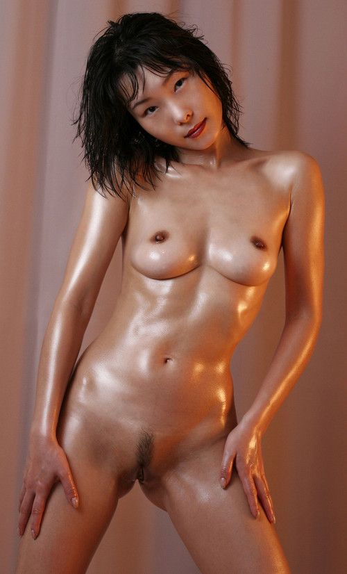 Asian gets all oiled up and horny
