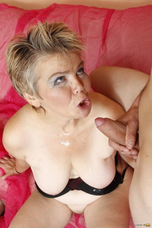 This mature nympho loves to suck and fuck a hard cock
