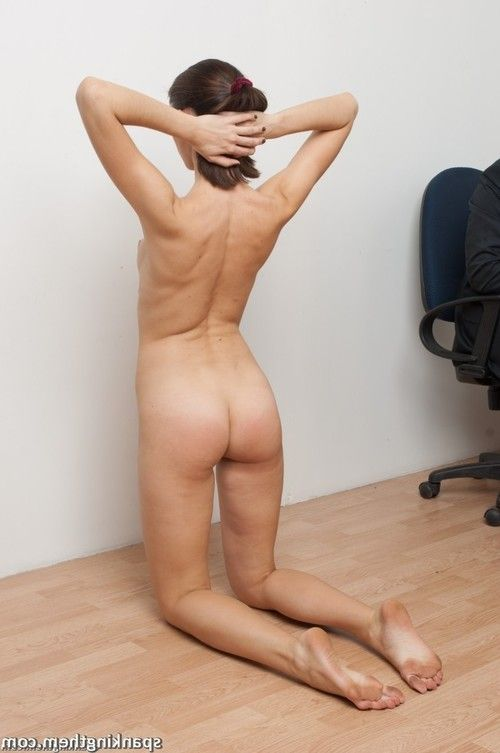 Unexpected nude flagellation in the boss office