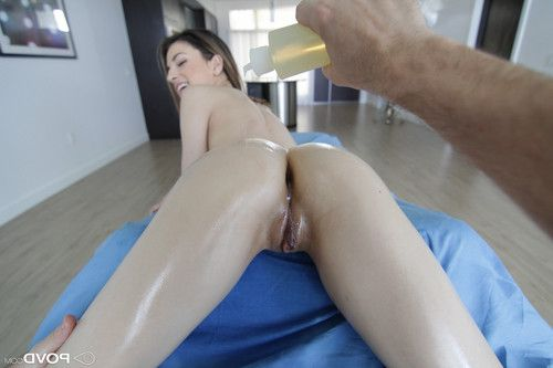 Kristen scott gets her juicy pussy drilled by the massage therap