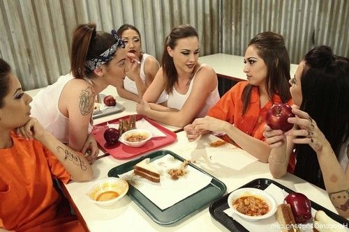 Chola love: all girl prison revenge gangbang!