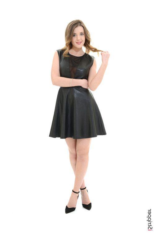 Kinky blonde beauty sybil stripping in her latex black dress