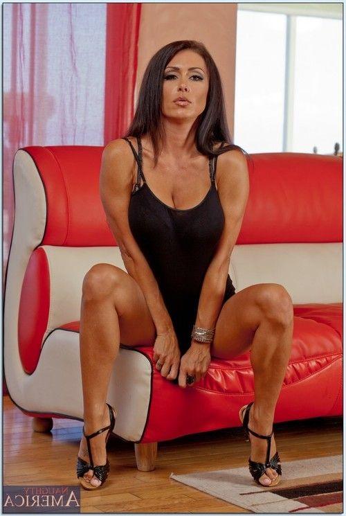 Ravishing MILF Jessica Jaymes stripping and spreading hr legs