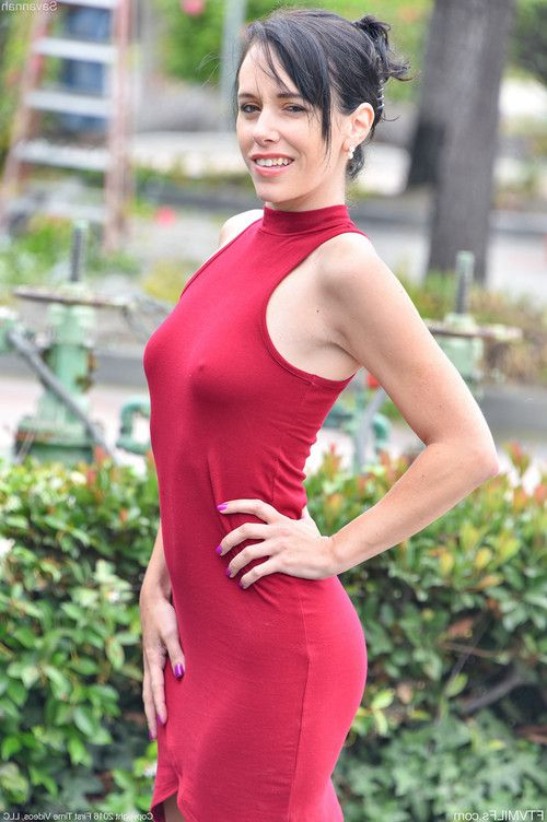 Savannah  lady in the red dress