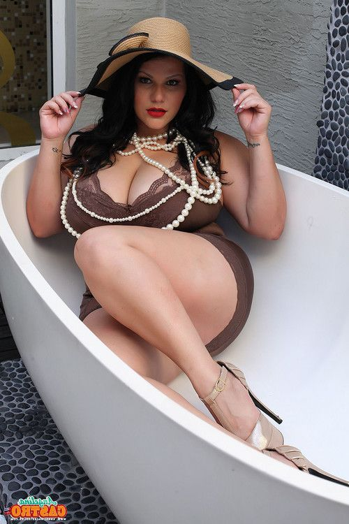 Angelina castro and 2 bbw hotties in the tub