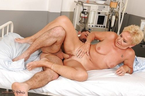 Short haired granny gives a blowjob and gets her hairy cunt nailed