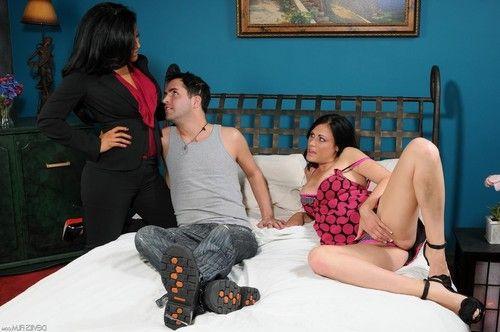 Ashli ames and kiara mia are sucking their friend