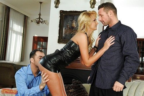 Teen babe Ivana Sugar stretches her pussy and asshole in a gangbang