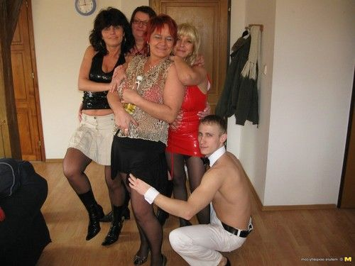 Kinky mature sexparty with gigolo