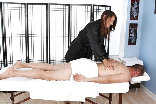 Spoiled babe Rilynn Rae giving a blowjob after making massage