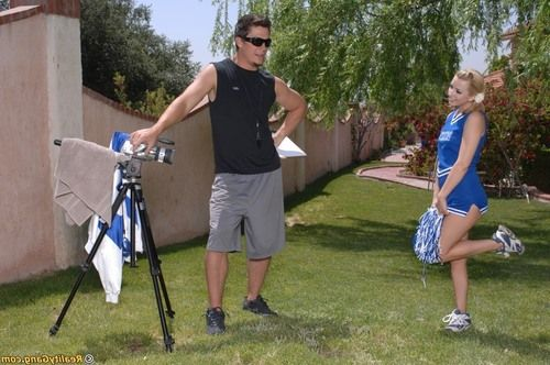 Slutty cheerleader Lexi Belle gives head and gets fucked outdoor