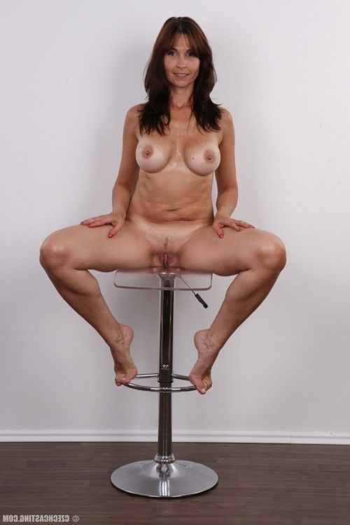 Mature wife in casting photos