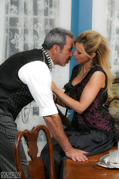 MILF pornstar Jessica Drake giving and receiving oral sex with older man
