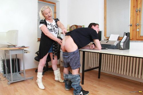 Naughty mature slut doing her horny boy toy