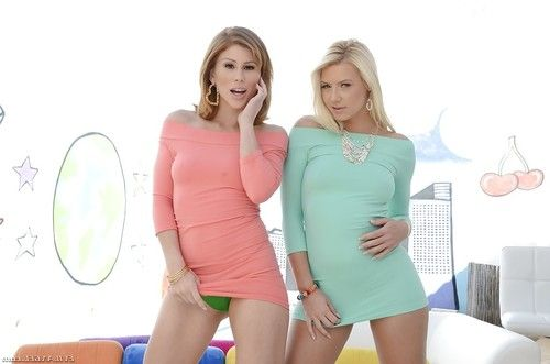 Foxy pornstars Brooklyn Lee & Anikka Albrite revealing their shapely bodies
