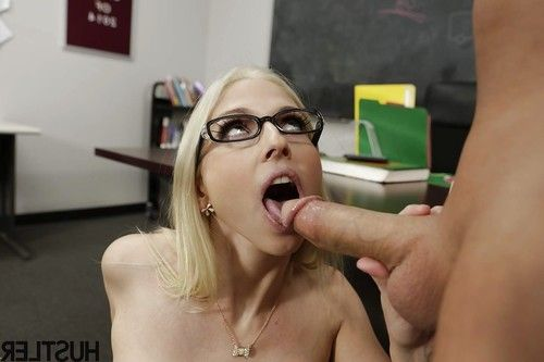 Blonde pornstar Christie Stevens getting chipmunked by large cock