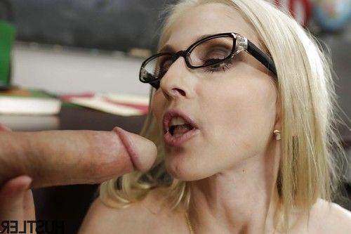 Blonde pornstar Christie Stevens getting chipmunked by large cock