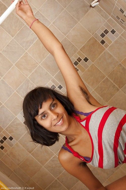 Smoking hot Indian babe with hairy armpits Sonya N stripping in the bath