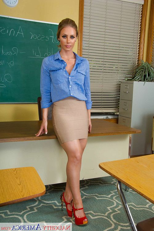 Milf teacher babe Nicole Aniston exposing big natural tits and tush