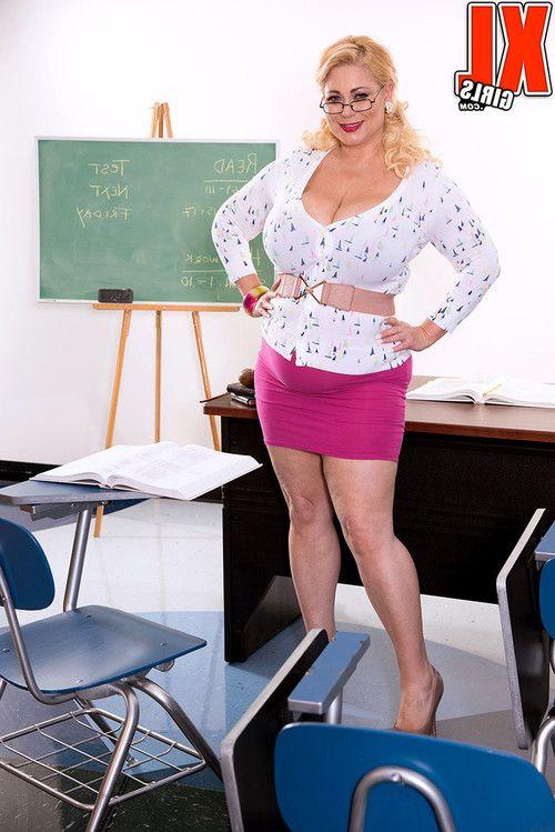 His teacher miss samantha 38g wants to fuck