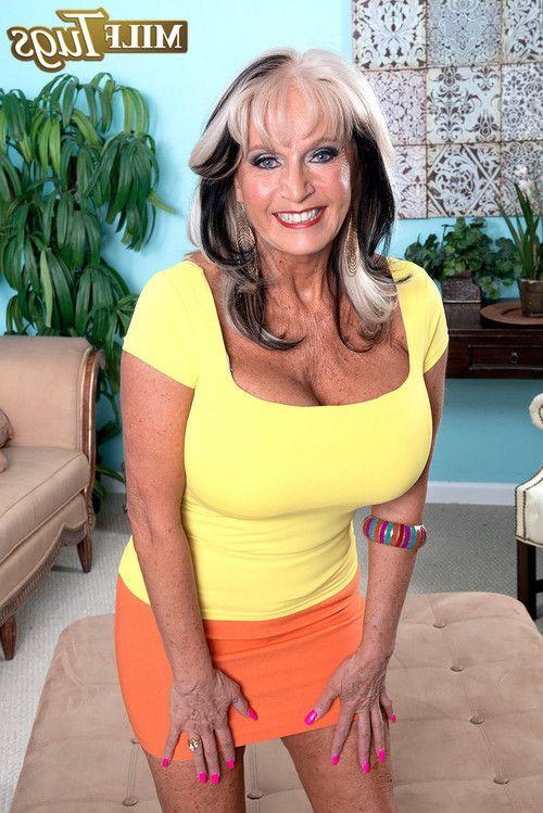 Hot mature sally dangelo gets a tit job