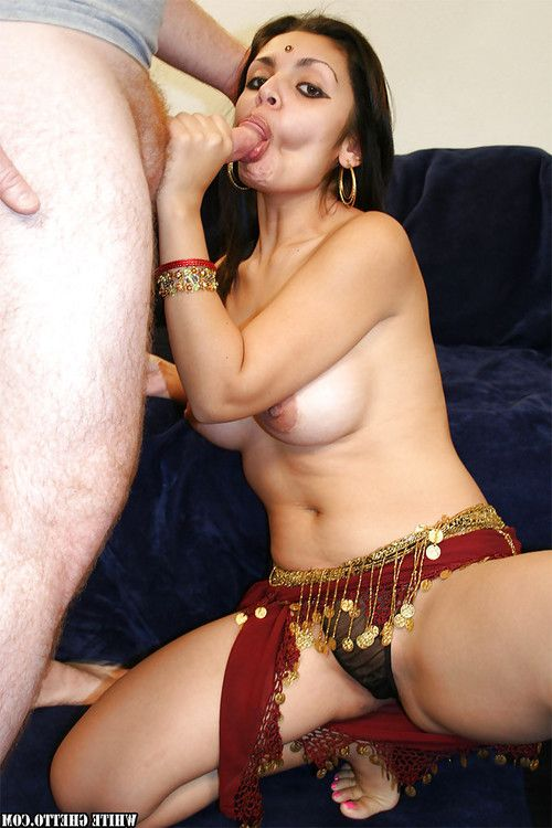Busty indian babe gives a blowjob and gets her cunt slammed hardcore