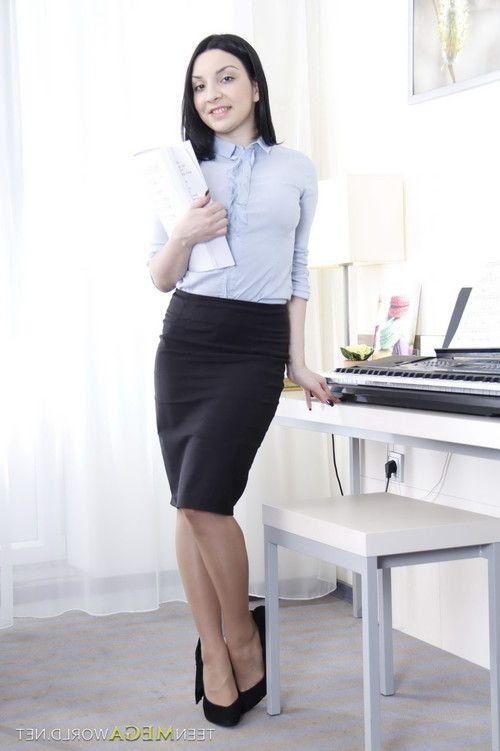 Teen secretary with big tits gets a gooey cumshot