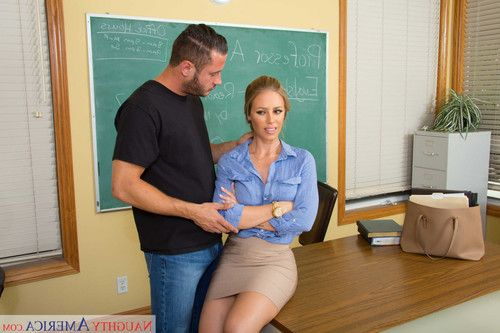 Bigtit teacher nicole aniston fucked in the classroom