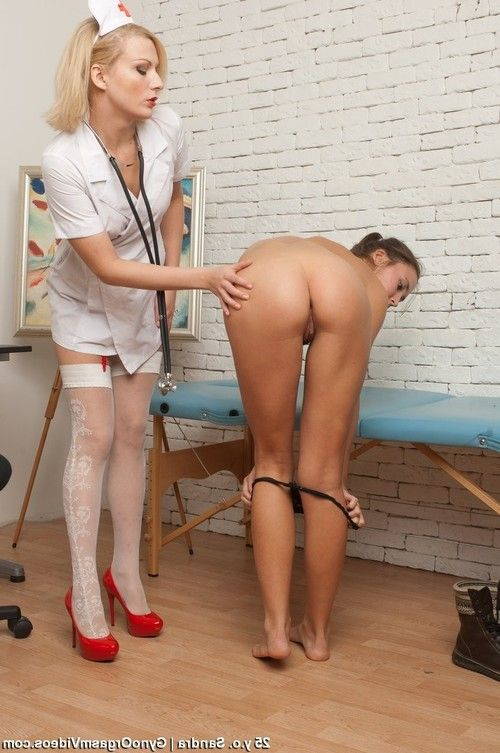 Sexy nurse examines a brunette before toy fuck