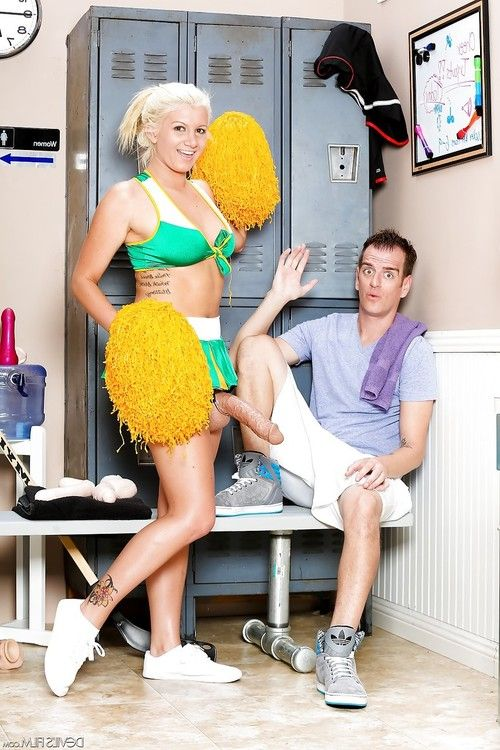 Foxy blonde cheerleader Layla Price nails her man with a big strap-on