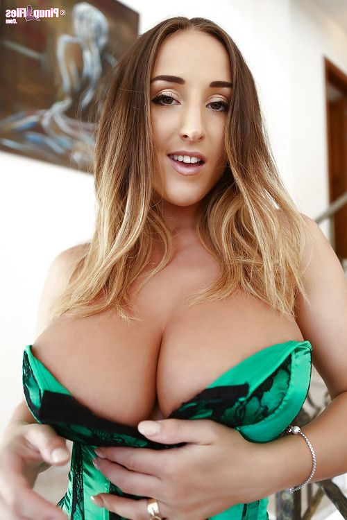 Big-tit babe Stacey Poole is playing with her lovely naked body